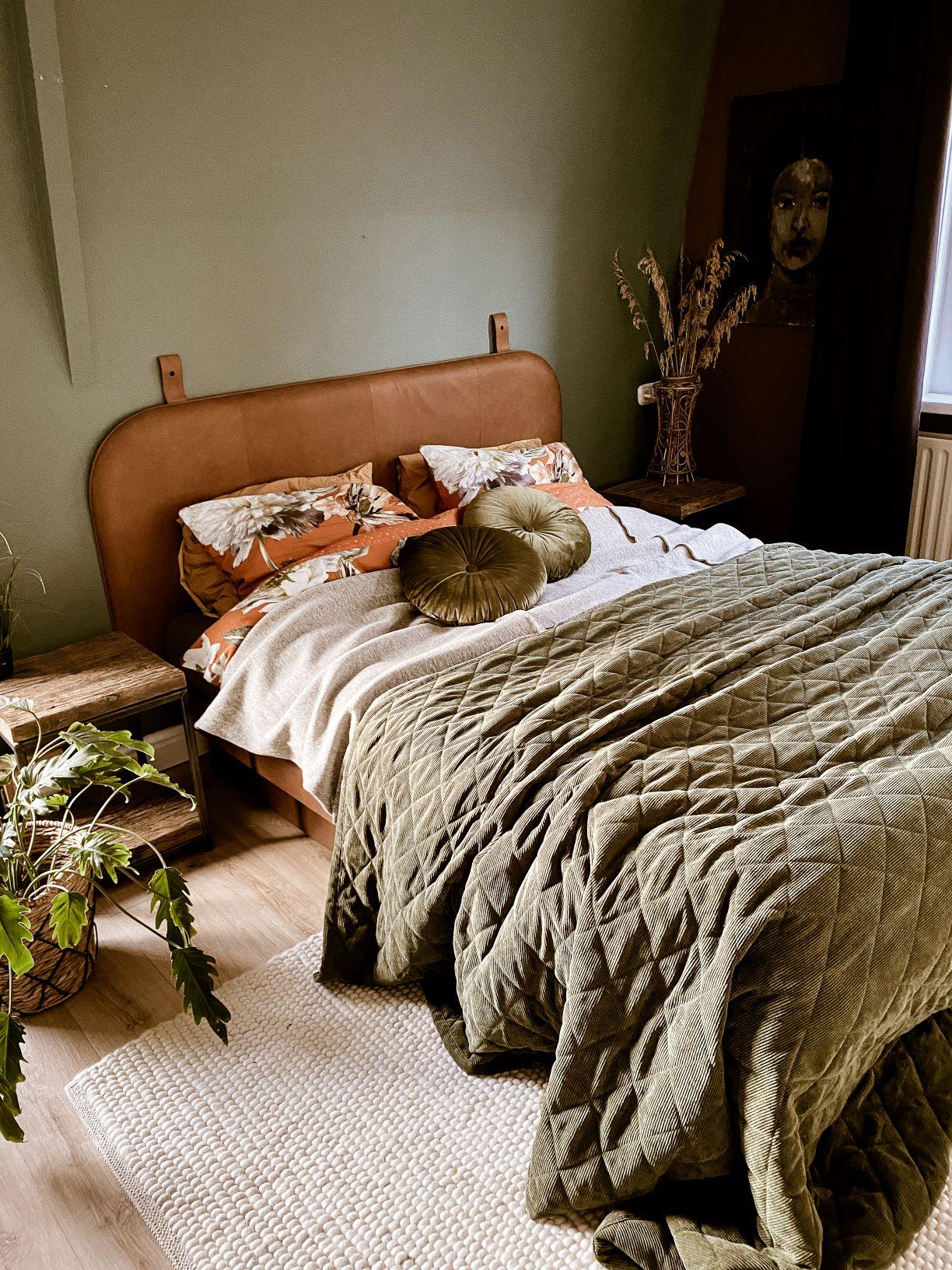 bedroom moody